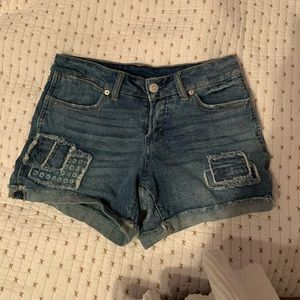 Time and tru light wash blue jean shorts